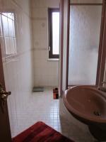 Foto 4 3 Zimmer Whg hell+freundlich EBK Klimaanlage Bad Sauna Garten ohne Provision