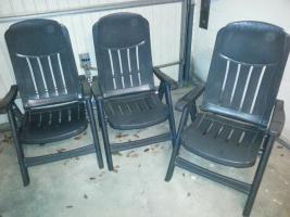 3 stabile Gartenstühle von Sieger + 1 blauer Stuhl+ wer mag 3 Auflagen