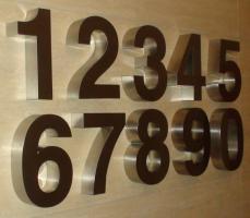 Foto 5 3D Hausnummer in Edelstahl-Gebürstet 190cm x 4 cm