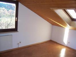 Foto 7 3,5 Zimmerwohnung mit Kachelkamin-Ofen in ruhiger Aussichtslage Kaltmiete: 590 EUR