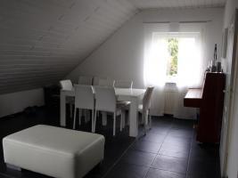 Foto 2 3 -Zimmer-Maisonette-Wohnung mit Einbauküche in Mainz-Kostheim