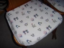 Foto 2 3antike Bauernstühle mit abnehmbarem Sitzpolster