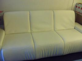 3er Sofa, Lounge-Stil, cremeweiß, Textilleder, Schlaffunktion, großer Bettkasten