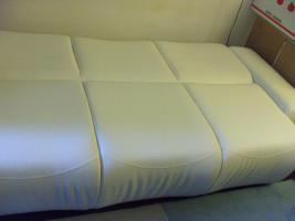 Foto 2 3er Sofa, Lounge-Stil, cremeweiß, Textilleder, Schlaffunktion, großer Bettkasten
