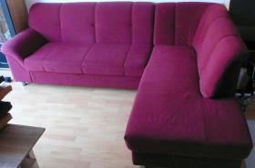 4 Jahre altes Sofa mit Schlaffunktion zu verkaufen