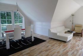 4 Zimmer Dachgeschoßwohnung – Kaltmiete 460 EUR