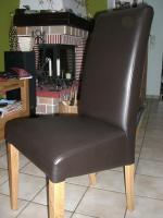 4 neue Stühle zu verkaufen
