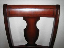 Foto 4 5 Warrings Stühle und 1 runder Ausziehtisch , Lübke