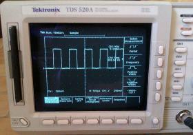 Foto 3 500MHz Tektronix TDS 520A digitales 2-Kanal Speicher oszilloskop
