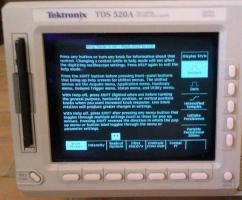 Foto 4 500MHz Tektronix TDS 520A digitales 2-Kanal Speicher oszilloskop