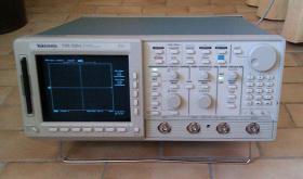 Foto 5 500MHz Tektronix TDS 520A digitales 2-Kanal Speicher oszilloskop