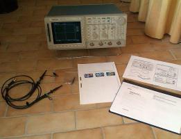 Foto 6 500MHz Tektronix TDS 520A digitales 2-Kanal Speicher oszilloskop