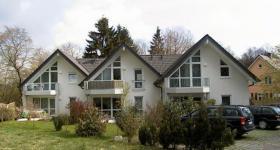 51674 Wiehl, helle Dachwohnung, moderner Stil