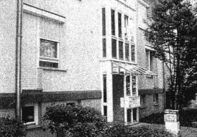 53qm 2,5-Zi.-Hochparterre-Wohnung mit Gartenterrasse, PKW-Stellplatz + Keller