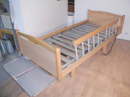 55 elektrische V�lker Pflegebetten Typ 3010 - gebraucht