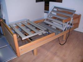 Foto 2 55 elektrische V�lker Pflegebetten Typ 3010 - gebraucht