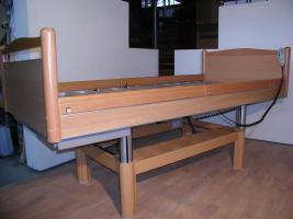 Foto 5 55 elektrische V�lker Pflegebetten Typ 3010 - gebraucht