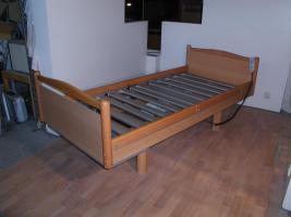 Foto 6 55 elektrische V�lker Pflegebetten Typ 3010 - gebraucht