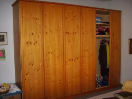 Foto 2 6 türiger Kleiderschrank