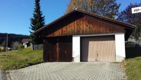 Garage / Parkplatz