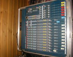 Foto 4 ALLEN & HEATH MixWizard WZ3 14:4:2 19'' Rack-Mixer