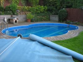 Foto 4 Abdeckplane für das Schwimmbad