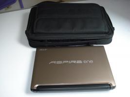 Acer Aspire One D255E Netbook inkl. Tasche