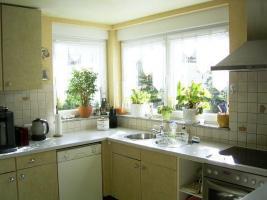 Küche sehr hell und gute Raussicht