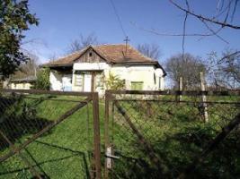 Foto 2 Älteres Haus mit Garten am Balaton in Ungarn zu verkaufen! Preis: VB.