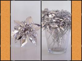 Foto 2 Alles in Silber – (Korb, Schleifen, Blumenstecker, Kranz, Kerzen)