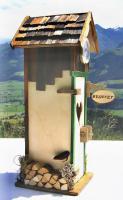 Foto 2 Alpenländisches Plumpsklo mit Uhr und hochprozentigen Inhalten