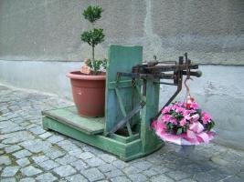 Foto 2 Alte Dezimalwaage mit Gewichten ( Schweinewaage / Sackwaage / Kartoffelwaage / Turmwaage/ Dezimal Waage)
