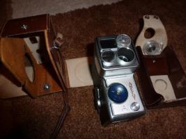 Alte Fotoapparate und Zubehör an Sammler abzugeben