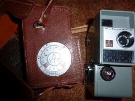 Foto 3 Alte Fotoapparate und Zubehör an Sammler abzugeben