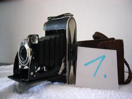 Foto 2 Alte Fotoapparate, Balgengeräte