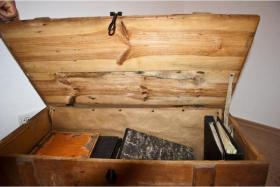 Alte Holztruhe