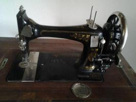Alte Naumann Naehmaschine