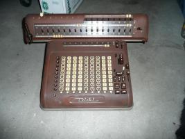 Alte Rechenmaschine