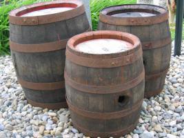 Alte gebrauchte (Most- bzw. Wein)fässer zu verkaufen