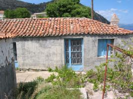 Altes Natursteinhaus nahe der Halbinsel Methana/Griechenland