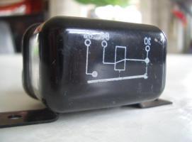 Foto 3 Altes Relais Bosch ( ca 40 Jahre) neuwetig