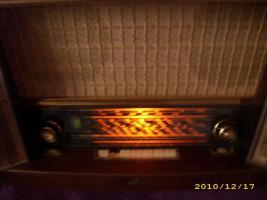 Foto 4 Altes Röhrenradio   > SIEMENS  SCHATTULE  H 42 <