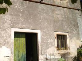 Altes sanierungsbedürftiges Steinhaus auf Korfu/Griechenland