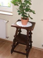 Antik Gründerzeit Tischchen für Blumen, Eichenholz, 70 cm hoch.