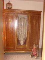 Foto 2 Antik, aufgearbeiteter Schrank