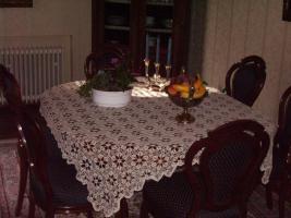 Foto 2 Antike Esstisch mit 6 Stühle