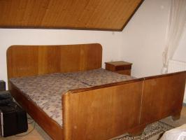 Antike Möbel, Bett, Schrank, Kommode, Fernsehschrank
