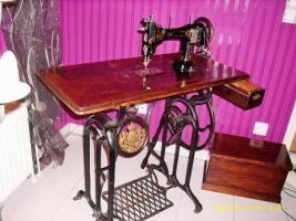 Foto 6 Antike Nähmaschine