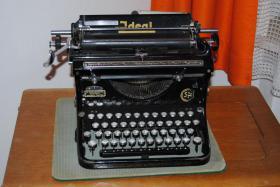 Antike Schreibmaschine - Naumann Ideal (ca. 1930)