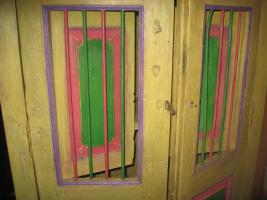 Foto 2 Antiker Tropenholz Wäscheschrank